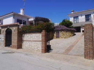 5 bedroom Detached Villa for sale in El Faro, Malaga, Spain