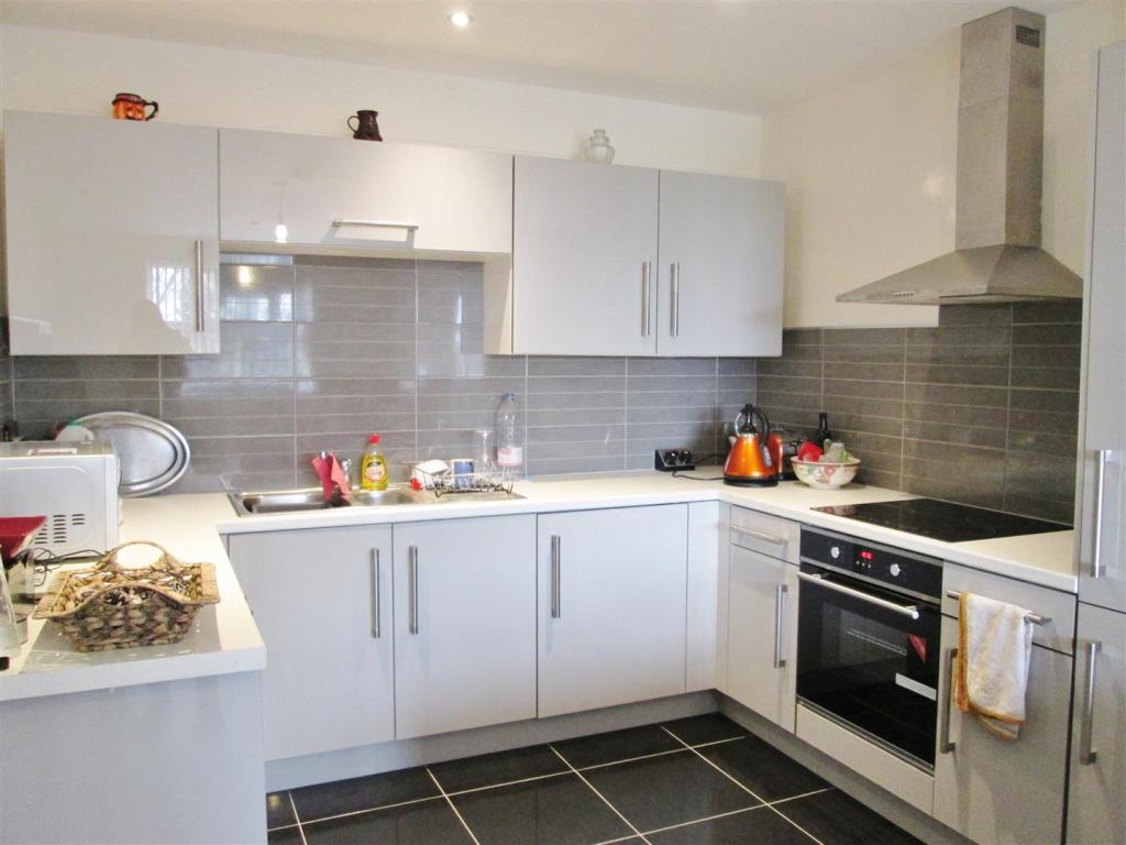 Kitchen / Living Roo