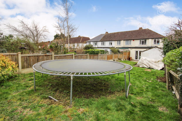 3 Bedroom End Of Terrace House For Sale In Roding Road