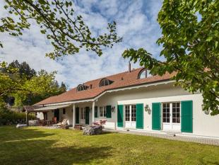 4 bed house for sale in Berne, Berne