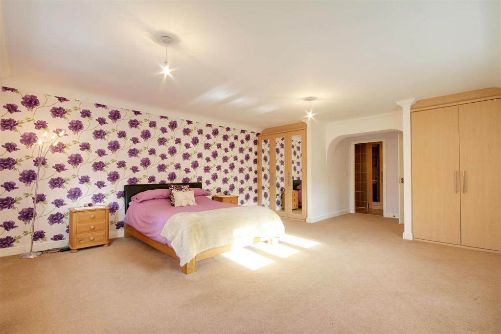 Master bed 3.jpg