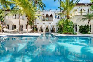 6 bedroom property in Miami Beach, Florida, US