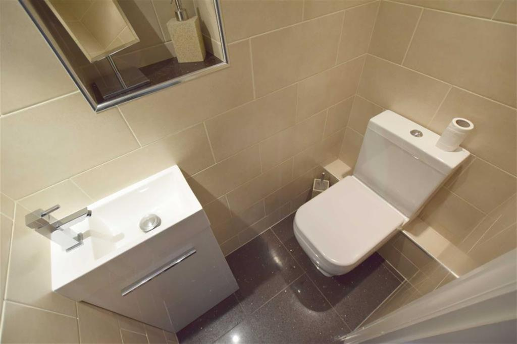 Downstairs Cloakroom/WC