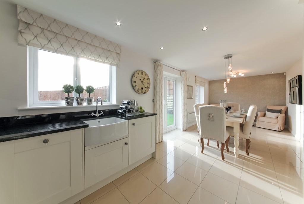 Master bedroom top view - 4 Bedroom Detached House For Sale In Lindley Moor Road