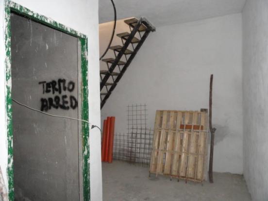Laundry area/Bathroo