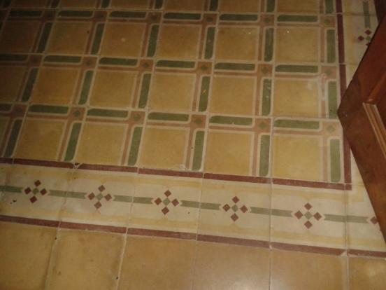 Living room's tiles