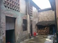Barn to rear
