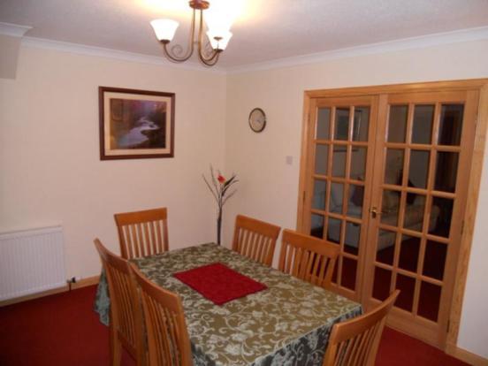 Diningroom (2)
