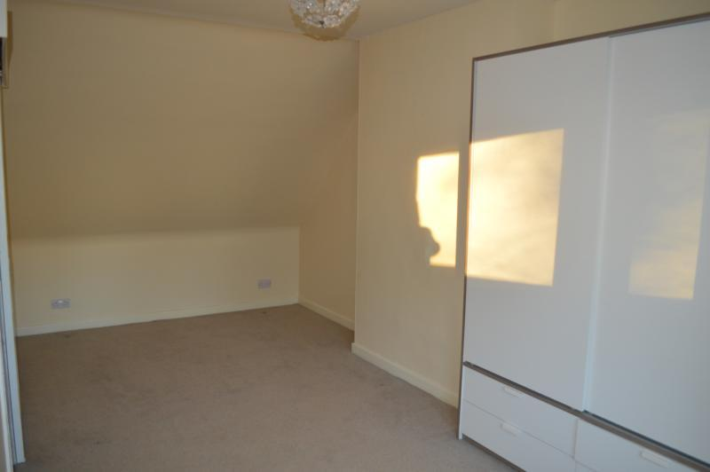 13 howford bedroom 1