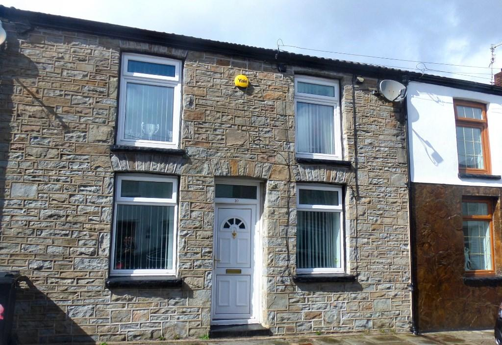 3 bedroom terraced house for sale in cardiff street