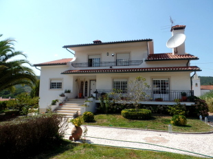 4 bedroom Detached house for sale in Beira Litoral...