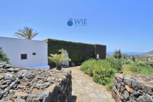 Character Property for sale in Pantelleria, Trapani...