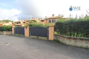 4 bedroom semi detached home for sale in Roma, Rome, Lazio