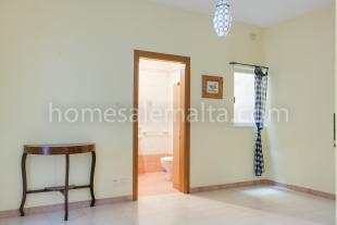 Apartment for sale in Mosta