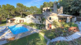 5 bed Villa for sale in Mouans-Sartoux, 06370...