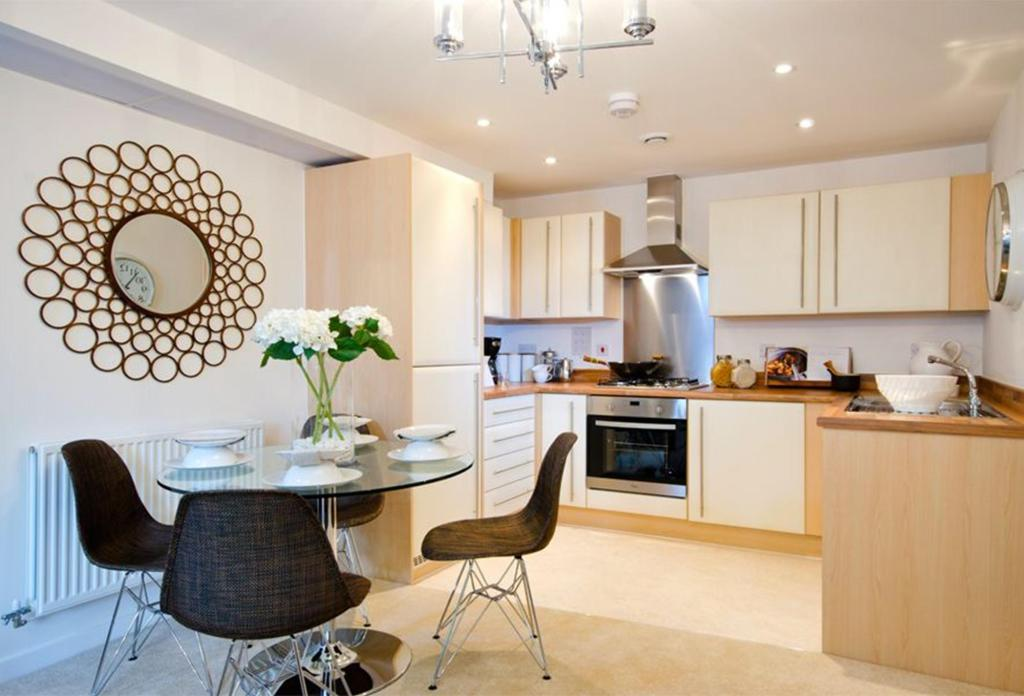bedroom flat for sale in Stoke Road Slough SL2 SL2