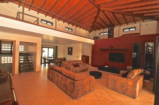 5 bed Villa for sale in Porto de M�s...