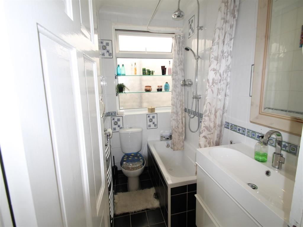 Albert Road bathroom