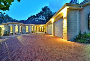 3 bed house in Western Australia...