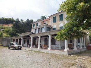 Villa for sale in Liguria, Genoa...