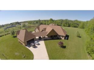 4 bed property for sale in Ohio, Lorain County...