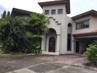 4 bed house in Panamá
