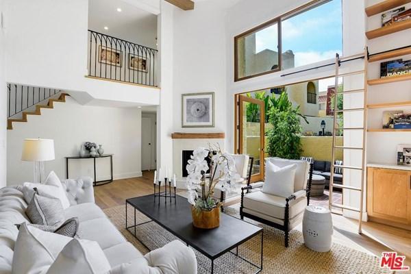 2 bedroom Flat in California...