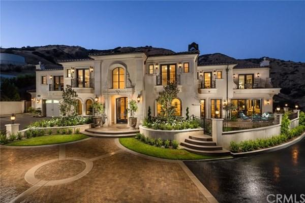 6 bedroom house for sale in California...