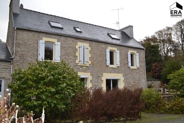 5 bedroom house for sale in Brittany, Finistère...