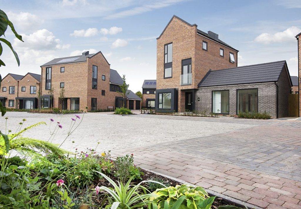2 bedroom semi detached house for sale in dunnock lane