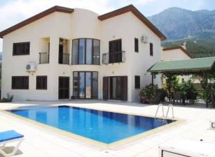 Villa for sale in Kyrenia, Lapta