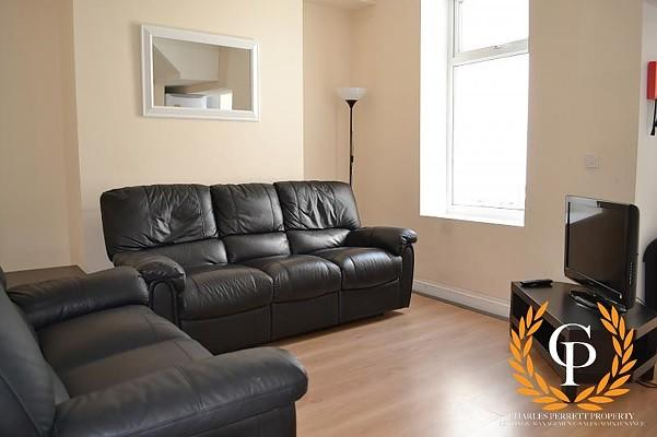 Lounge Main Image (M