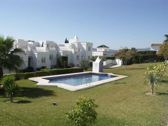 pool gardens (b)