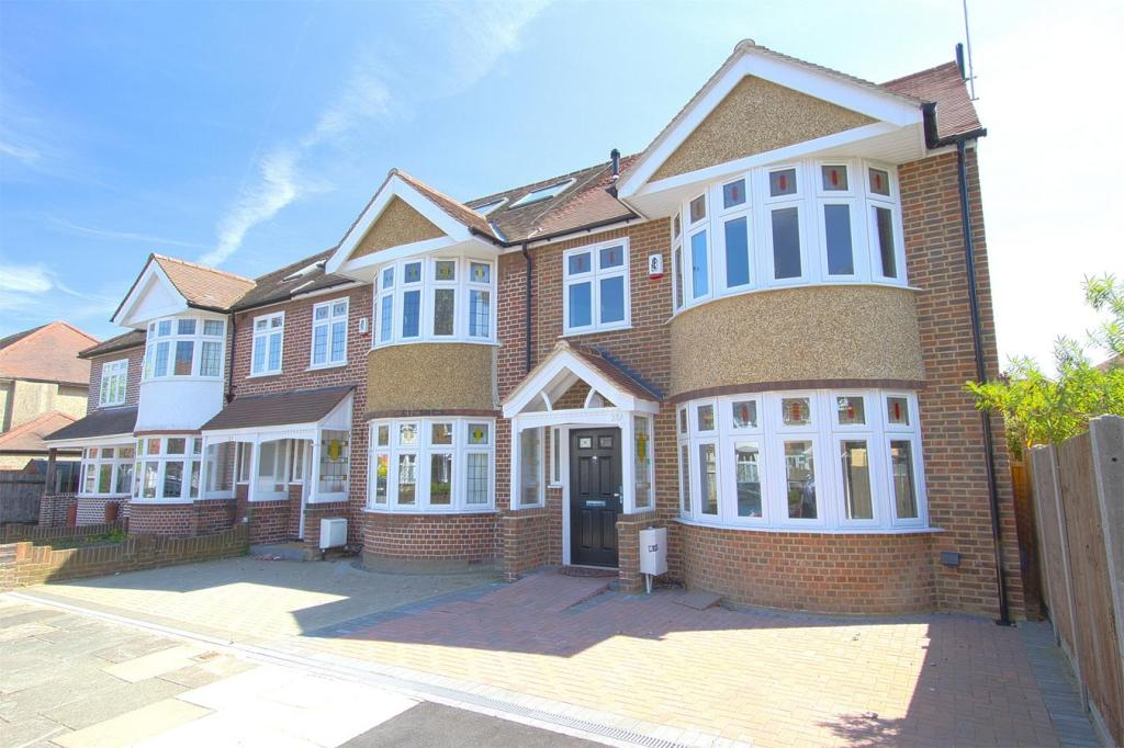 4 bedroom end of terrace house for sale in chalfont way for 121 141 westbourne terrace london