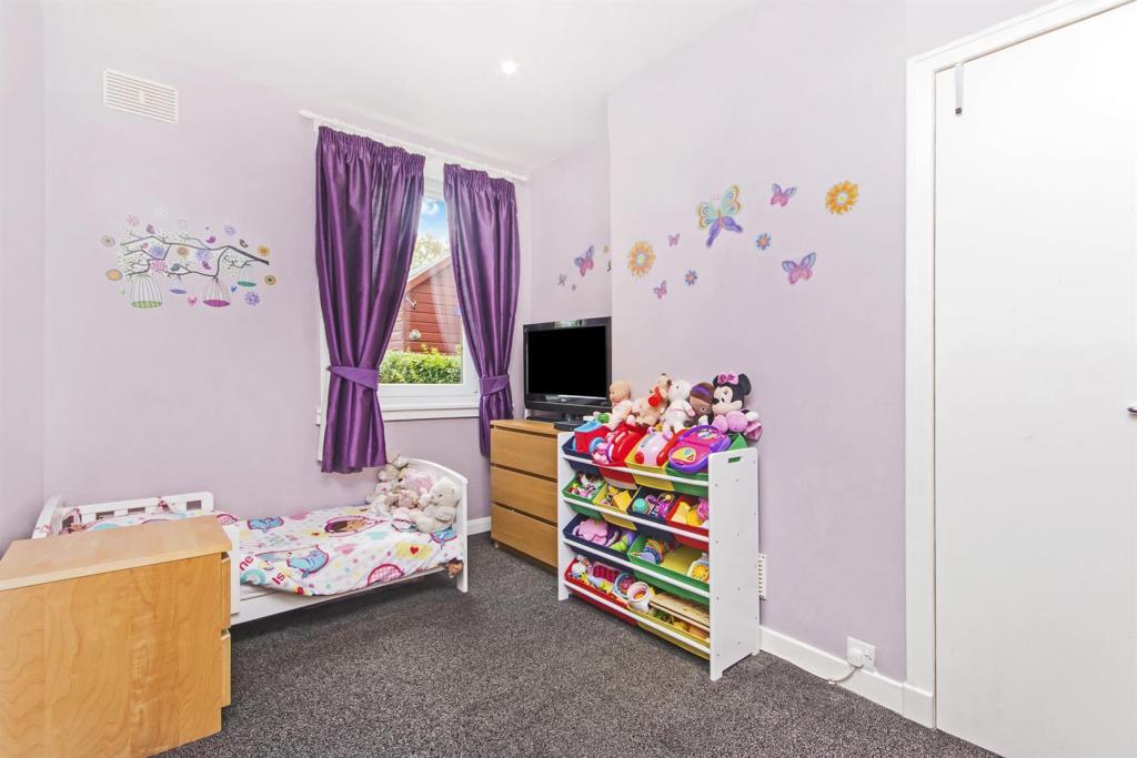 bedroom n2.JPG