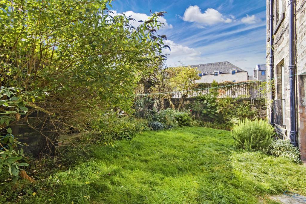 Image 10 - Garden.JP
