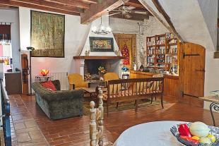 property in Nizas, Hérault...