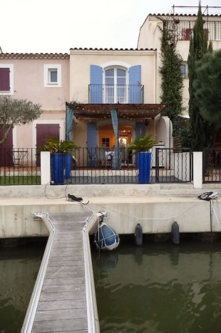 2 bedroom house for sale in Languedoc-Roussillon...