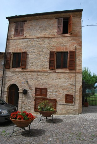 2 bedroom Town House in Le Marche, Fermo...