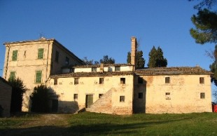 Character Property in Le Marche, Fermo...