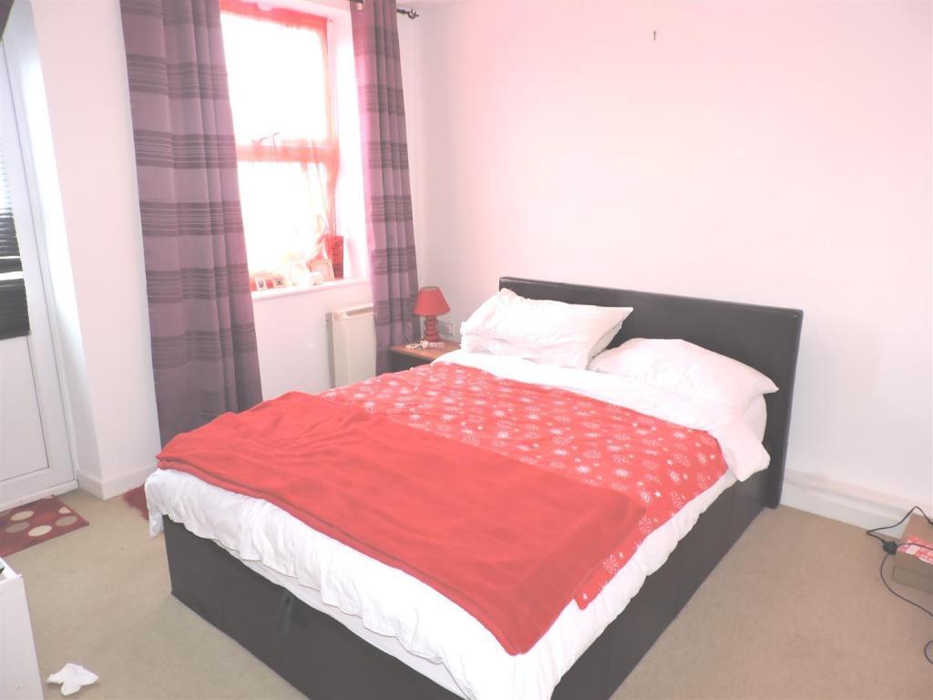 3a bedroom.jpg