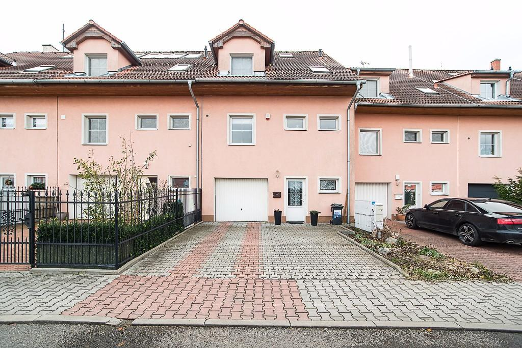Horomerice Terraced property for sale