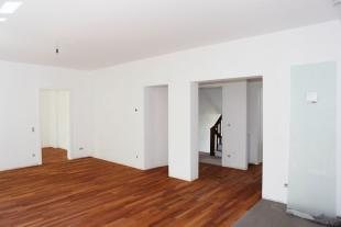 Flat in Lovely sunny refurbished...