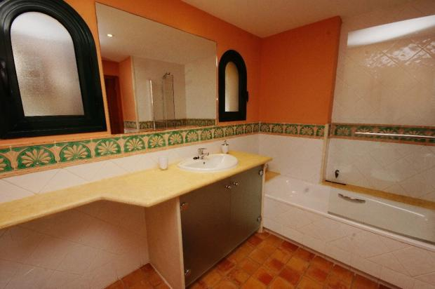 Bathroom i