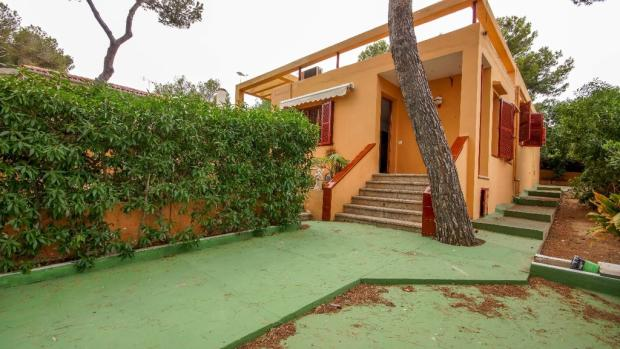 House main entrance