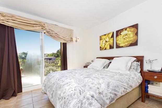 Bedroom with nice vi