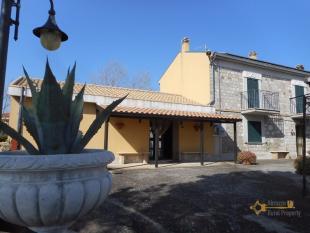 Stone House in Casalanguida, Chieti...
