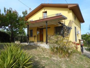 4 bed Villa for sale in Torino di Sangro, Chieti...