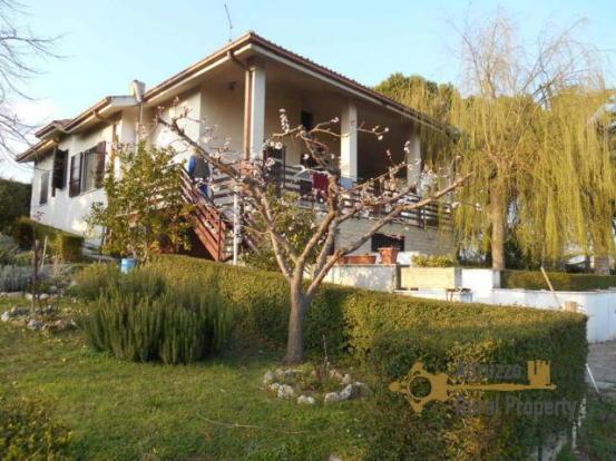 Villa with land