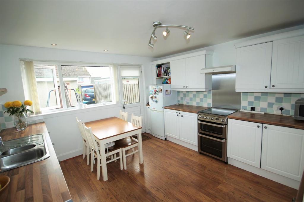 Kitchen ( aspect 2 )